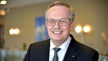 Dr. Björn-Erik Schultz